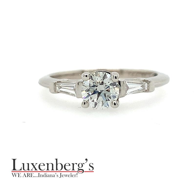 Round Brilliant Center with Bagguette Sides Engagement Ring
